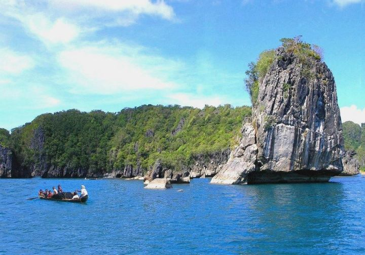 Come on over to Caramoan! Before its virgin allure disappears forever.