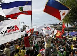 Moslems rejoice in Manila as the signing is announced