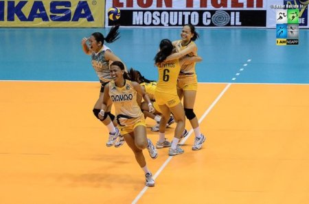 Southern belles rejoicing after turning back the defending champs, NU Bulldogs. (Courtesy of Shakey's V-League)