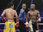 Manny kept hounding Floyd from bell to bell...