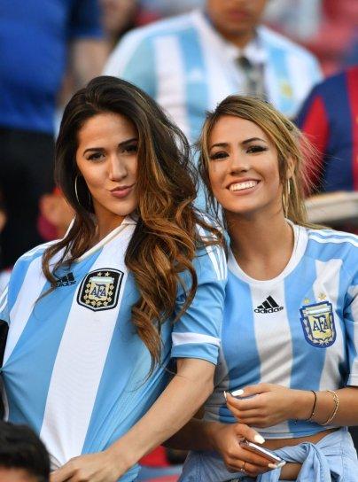 - Argentina fans (En-as.com)