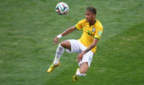 - Stylish Neymar wows the crowd (India.com)