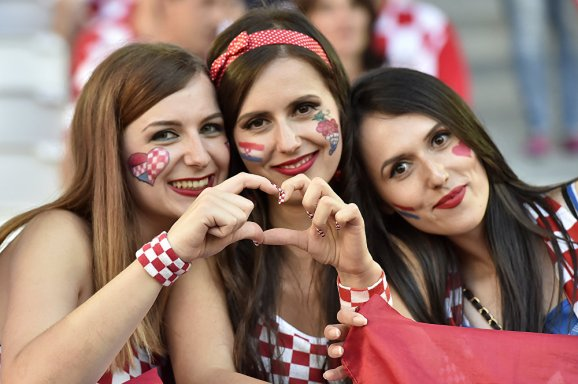 - Football-Crazy Croatians (Sputnik Intl)