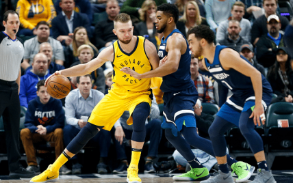 Domantas Sabonis tests the defense of Karl Anthony Towns. (Heightline)