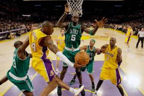 Kobe and Kevin stoke the rivalry. (The Tylt)