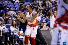 Jason Perkins hits the winning shot. (courtesy of PBA)