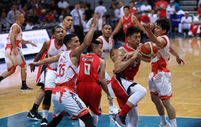The defense never rests. (PBA)