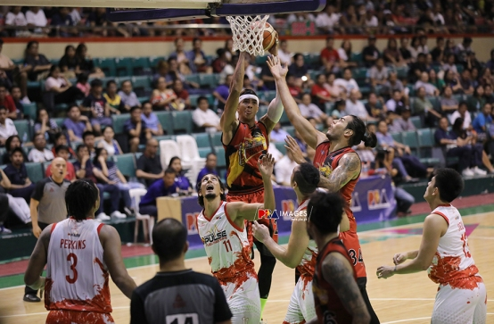 SMB's height advantage in motion.